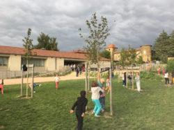 Montseveroux : l'école maternelle, l'école primaire, le restaurant scolaire, la bibliothèque, la salle d'animation, l'église